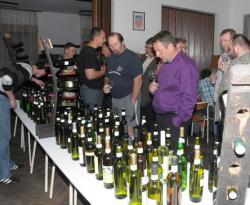 Na izložbi su s emogla kušati nagrađena vina (Fotografija Jovica Nikšić)