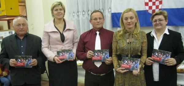 S predstavljanja: Josip Petir, Drago Plašćar, Marija Vizner, Marijana Petir i Božica Brkan (Snimio Miljenko Brezak / Acumen)