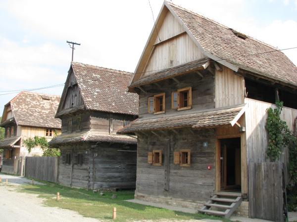 Krapje zaštićene arhitekture (Snimila Slavica Moslavac)