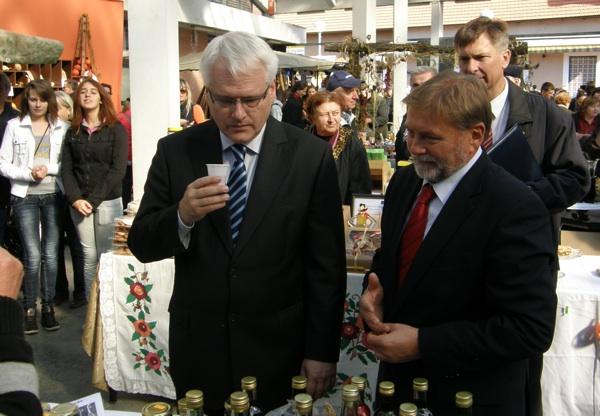Na Bučijadi 2011. predsjednik RH Ivo Josipović i ivanićgradski gradonačelnik Boris Kovačić (Snimio Miljenko Brezak / Acumen)